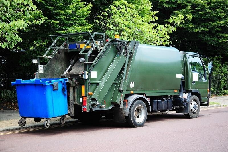 Śmieciarka - odbiór odpadów