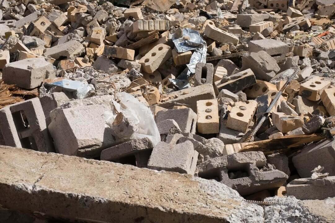 egalnie pozbyć się odpadów budowlanych