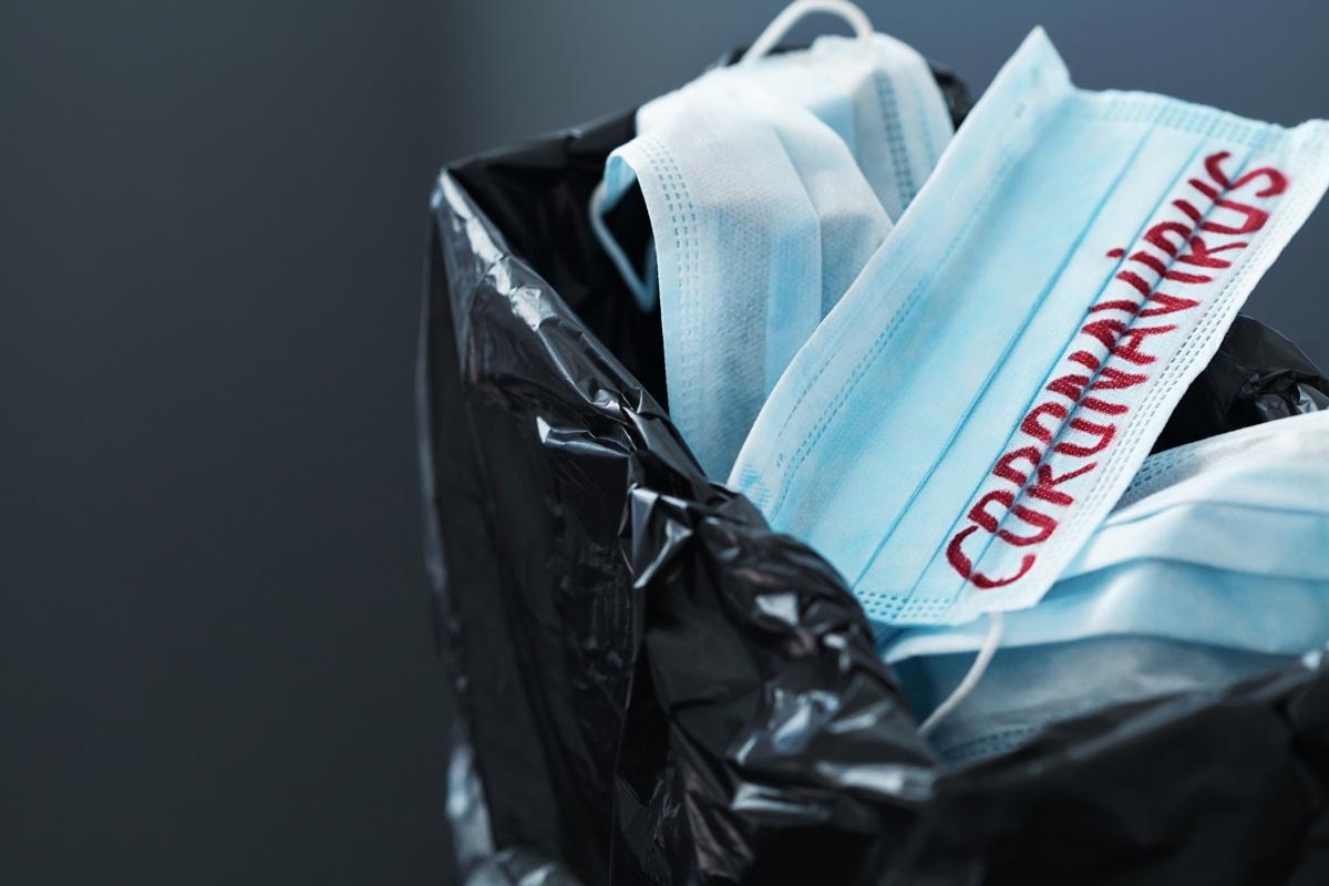 śmieci podczas pandemii